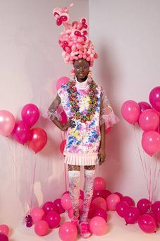 See all the Collection photos from Billie Jacobina Autumn/Winter 2017 Ready-To-Wear now on British Vogue Winter 2017, Fall Winter, Autumn, Fashion Scout, Balloon Modelling, Vogue Magazine, Fashion Days, Ready To Wear, Balloons