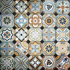 #モザイク #タイル #綺麗 #floor#mosaic#tiles#vintage#berlin  #home#house#interior#ceramic#texture#wall#happy#beautiful#scene#creative#love#pattarns#color#hipstamatic#design#art#artoftheday#decor#architect#artwork#artist#風景