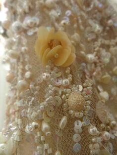 Detalle de recamado en perlas y cristales  Vestido de 15 años Realizado por Marisa Campanella