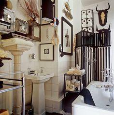 Мебель и предметы интерьера в цветах: черный, серый, светло-серый, бежевый. Мебель и предметы интерьера в стиле неоклассика.