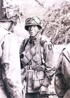 """Damian Lewis as Dick Winters. From HBO series """"Band of Brothers. Band Of Brothers, Damian Lewis, Love Band, Paratrooper, American Soldiers, Us History, Movie Photo, World War Two, Portrait"""