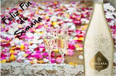 Llega el #viernes y el fin de semana. Disfrútalo con tu Sandara. www.vicentegandiaboutique.com