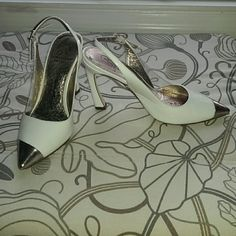 """Adrianna Papell white patent leather shoes Stylish white shoes with a very unique heel. Leather upper and """"sock"""". In good condition with some normal signs of wear. Adrianna Papell Shoes Heels"""