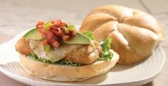 Add some Southwest flair to your next sandwich that's spiced up with yummy salsa & cooled down with a creamy slice of avocado. Asian Recipes, Ethnic Recipes, Asian Foods, Cooking Tips, Cooking Recipes, Fish Sandwich, Delicious Sandwiches, Kraft Recipes
