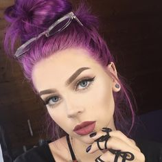 120 unboring styles with magenta hair color – page 1 Pinkish Purple Hair, Magenta Hair Colors, Funky Hair Colors, Light Purple Hair, Bold Hair Color, Hair Dye Colors, Light Brown Hair, Purple Nails, Purple In Blonde Hair