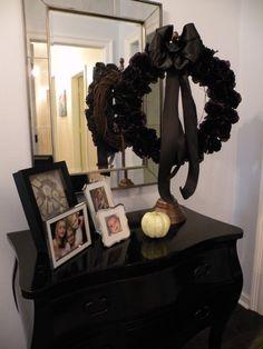 Halloween Black Roses Wreath.