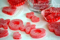 Homemade Valentine's Day Gumdrops - made with applesauce and JELL-O! Easy, delicious, and fun! The perfect Valentine's Day treat! Valentines Day Food, My Funny Valentine, Homemade Valentines, Valentine Treats, Valentine Day Crafts, Holiday Treats, Printable Valentine, Valentine Box, Gumdrop Recipe