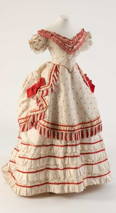 White and coral red silk evening dress, 1870s. Fashion Museum Bath, via @Fashion_Museum on Twitter.