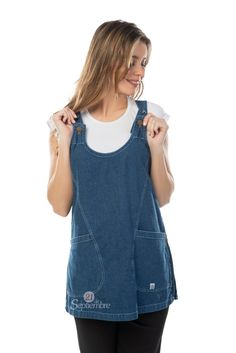 Poncho Jardinero - 21 de Septiembre Overall Shorts, Sewing Crafts, Apron, Overalls, 21st, Tank Tops, Jackets, Clothes, Stairs