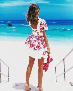 Plan para hoy: Crear tu mejor outfit y dejar que la vida FLUYA !!! Feliz domingo !!! #yesmotivacion #asesoriadeimagen #asesorademoda #fashionstylist #asesoraenestilismos #imagenyestilo #imageconsultant #consultoriadeimagen #streetstyle #inspiracion #fluir #mar #sea #beachlook #inspiration #color #pensamientospositivos #creeenti #creatusellopersonal #estilopersonal #atrévete #resaltatupropiaimagen #happysunday #tendencias #dress