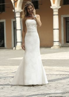 Robes de mariée à Metz > MARIONS-NOUS : votre spécialiste de la robe de mariée depuis 1959 : Robes de mariée ,Linea Raffaelli 2015
