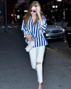 Gigi Hadid Model Style - Gigi Hadid's Sexiest Looks See the model's most stylish off-duty looks. Looks Gigi Hadid, Gigi Hadid Style, Look Fashion, Fashion Models, Fashion Outfits, Chic Outfits, Street Fashion, Blue Fashion, Denim Fashion