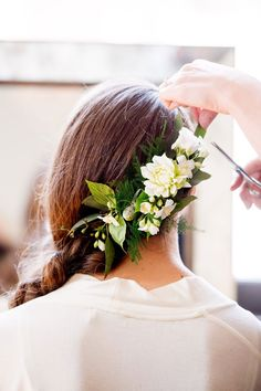 custom floral hairpiece by Stone Fox Bride. Melisande Page.  Photo from Vogue http://www.vogue.com/slideshow/13383408/luke-ostrom-jacqueline-burke-wedding-new-york/#4