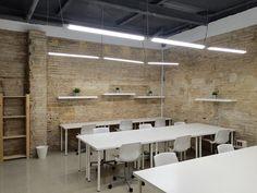 Cowork Ruzafa en #Valencia. Valencia, Conference Room, Divider, Table, Furniture, Home Decor, Work Spaces, Decoration Home, Room Decor