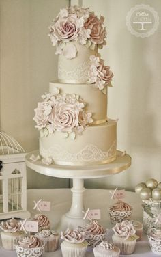 Love their cake designs! Romantic creation ~ Cake Design: Cotton and Crumbs Creative Wedding Cakes, Cool Wedding Cakes, Beautiful Wedding Cakes, Gorgeous Cakes, Wedding Cake Designs, Pretty Cakes, Wedding Cake Lace, Wedding Bouquets, Wedding Cupcakes