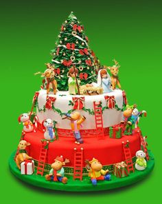 Beautiful cakes-Najlepše torte: Cakes for all occasions za sve prilike 34 Christmas Themed Cake, Christmas Cake Designs, Christmas Cake Decorations, Christmas Cupcakes, Christmas Sweets, Holiday Cakes, Christmas Goodies, Christmas Baking, Xmas Cakes