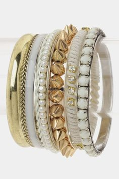 Accessories make the difference. Bangles are chic, chic chic.