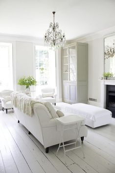 home decor white White On White Decor Inspired By A Top Magazine Director - the gorgeous living room of Charlotte-Anne Fidler Coastal Living Rooms, Living Room White, White Rooms, My Living Room, Living Room Decor, Interior Ikea, Home Interior Design, Coastal Interior, Coastal Decor