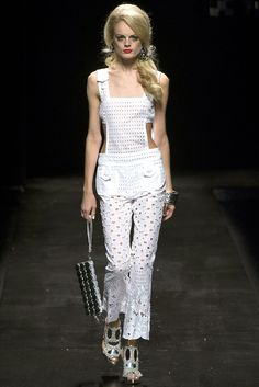 Moschino Spring 2013 Ready-to-Wear Fashion Show - Hanne Gaby Odiele