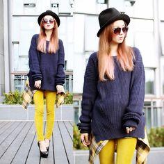 Jollychic Sweater, Uniqlo Skinny, Ca4 La Hat, Queen Shop Plaid Shirts