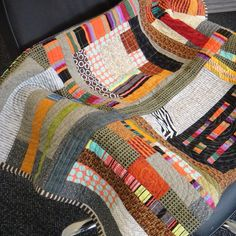 sewing/stitching/patchwork at its best: Urban quilt Patchwork Quilting, Scrappy Quilts, Baby Quilts, Longarm Quilting, Star Quilts, Quilting Tips, Colchas Quilt, Quilt Blocks, Quilt Art