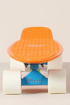 The 22 inch Penny board is the original, it's where everything for Penny began. Based on the plastic boards that your dad rode in the 70s, these skateboards ooze cool, fun, freedom and quality. The orange, blue and white colour combination on this particular one is so so sweet.