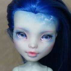 OOAK Monster High doll, Frankie. Reroot and repaint