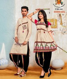 India's Most Loved Chaniya Choli Designs for Navratri - LooksGud. Indian Bridal Outfits, Indian Designer Outfits, Choli Designs, Kurta Designs, Dress Indian Style, Indian Dresses, Dandiya Dress, Stylish Kurtis Design, Traditional Blouse Designs