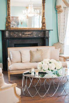 Champagne and White Wedding Decor I Photography: Marni Rothschild