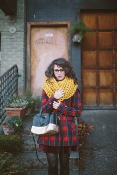 Velvet by Delightfully Tacky Estilo Blogger, Autumn Winter Fashion, Autumn Style, Style Me, Vintage Outfits, Cute Outfits, Plaid Coat, Plaid Jacket, Street Style