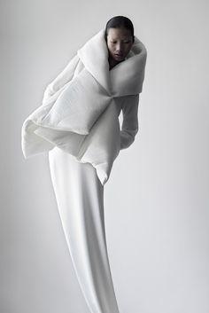 Qiu Hao,F/W 2011,Serpens,Fotografias,Matthieu Belin,photographs,Shanghai,china,blanco,negro,black,white