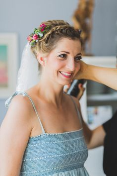 Eine moderne DIY Hochzeit mit individueller Hochzeitsdekoration und Strandmotiv