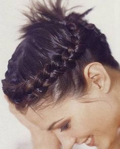 10 Braided Hairstyles for Short Hair - PoPular Haircuts Fishtail Hairstyles, Old Hairstyles, Cute Braided Hairstyles, Trending Hairstyles, Asian Short Hair, Asian Hair, Girl Short Hair, Braids For Short Hair, Short Hair Styles