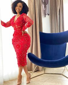 Latest African Fashion Dresses, African Dresses For Women, African Attire, Aso Ebi Lace Styles, Lace Gown Styles, Cute Prom Dresses, Elegant Dresses, Dresses For Work, Classy Dress
