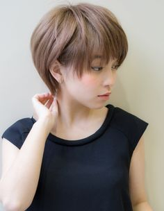 色っぽヘルシーショート(AK-42)   ヘアカタログ・髪型・ヘアスタイル AFLOAT(アフロート)表参道・銀座・名古屋の美容室・美容院