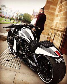 Harley Davidson Entourage Bobber Motorcycle, Moto Bike, Motorcycle Style, Motorcycle Outfit, Kids Motorcycle, Motorcycle Jackets, Indian Motorcycles, Cool Motorcycles, Triumph Motorcycles