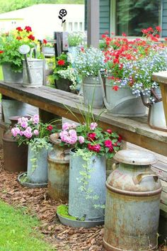awesome Unique DIY Features To Beautify Your Garden https://matchness.com/2018/03/07/unique-diy-features-beautify-garden/