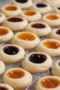 Jam Thumbprint Cookies – perfect little morsels of soft buttery cookie filled with a variety of sweet jams. Always a favourite! Jam Thumbprint Cookies – perfect little morsels of soft buttery cookie filled with a variety of sweet jams. Always a favourite! Raspberry Thumbprint Cookies, Thumbprint Cookies Recipe, Jam Cookies, Jelly Cookies, Filled Cookies, Chocolate Thumbprint Cookies, Cool Cookies, Cookie Icing, Yummy Cookies