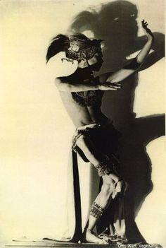 Otto Kurt Vogelsang - Alexander von Swaine in Javanese Dance, c.1920s.