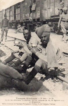 French postcard depicting Sikh soldiers having their meal while seated on railroad tracks Share & Spread this historic capture! Historical Sites, Historical Photos, India In World, Military Careers, India Culture, Indian Army, Great Life, World War One, India Travel