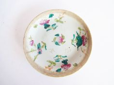 Vintage Antique 1736-1795 Qianlong Chinese Export Porcelain Famille Rose Plate / Dish / Saucer