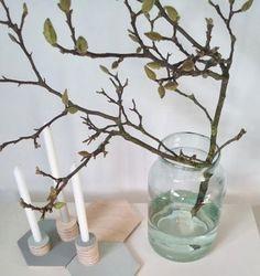 Big vase, branches