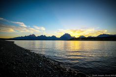 Sunset on Jackson Lake. #grandtetonnationalpark #wyoming #sunset #earthcaptured #nature #natureaddict #adventure #outdoors #letsgo #getoutside #themountainiscalling #coloradophotographer #forgeoverland #mountainexposures #overland #travel by limbwalker_