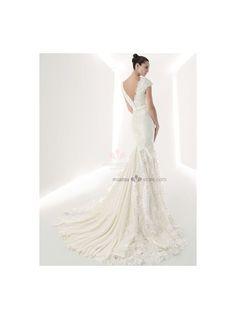 Robe de mariée style sirène en dentelle col en V décolleté dos en V traîne chapelle économique en vente sur miamastore
