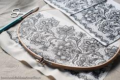 Os mostramos cómo decorar tela con servilletas y hacer un decoupage resistente al agua para decorar cojines, cortinas, ropa o manteles usando papel.