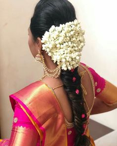 Hairstyle For Indian Wedding Guest - Hairstyle For Indian Wedding Guest Gorgeous weather, admirable accomplishments and the befalling to about-face your South Indian Wedding Hairstyles, Bridal Hairstyle Indian Wedding, Indian Wedding Makeup, Diy Wedding Hair, Hairdo Wedding, Short Wedding Hair, Wedding Hairstyles For Long Hair, Indian Hairstyles, Wedding Bride