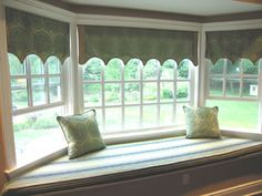 I've always dreamed of having a bay window with a window seat so I could sit and read! Bay Window Benches, Corner Window Treatments, Bay Window Design, Dining Room Windows, Bay Windows, Media Room Design, Home Remodeling, Family Room, New Homes