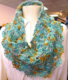 $2.50--Ravelry: Ocean Waves Cowl pattern by Mindy Abodeely - love the colors of this cowl