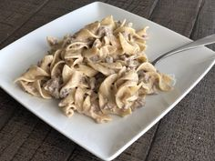 Fast and Easy Ground Beef Stroganoff is comfort food meant for kids! This dish has a creamy sauce with ground beef paired with the tender noodles. Easy Steak Recipes, Ground Beef Recipes Easy, Cooking Recipes, Healthy Recipes, Healthy Food, Skillet Recipes, Cooking Ideas, Food Ideas, Yummy Recipes