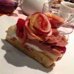 コムサカフェ薔薇のモンブラン